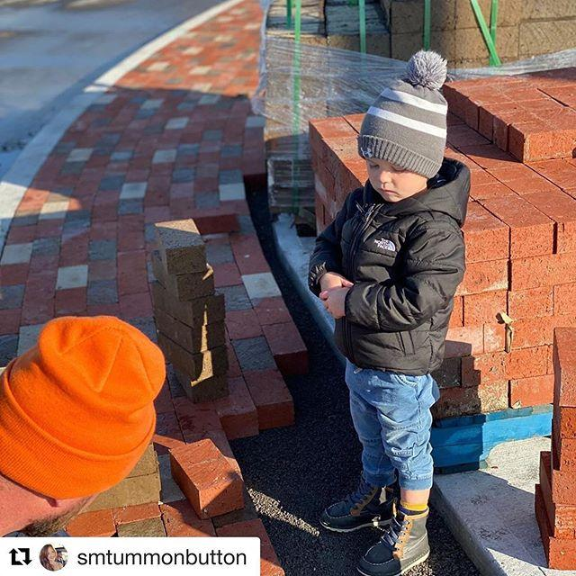 Our best help supervising a Sunday Morning workload! @belleville_on #maitlanddrive #Repost @smtummonbutton with @get_repost ・・・ Supervising daddy at the job site 💪#qualitycontrol #signature @signaturelc